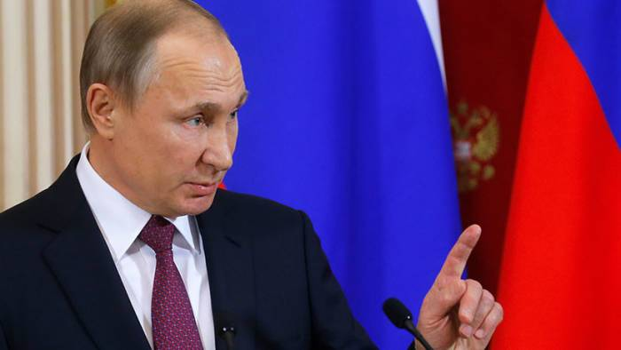 Putin felicita a Macron por el Día de la Toma de la Bastilla