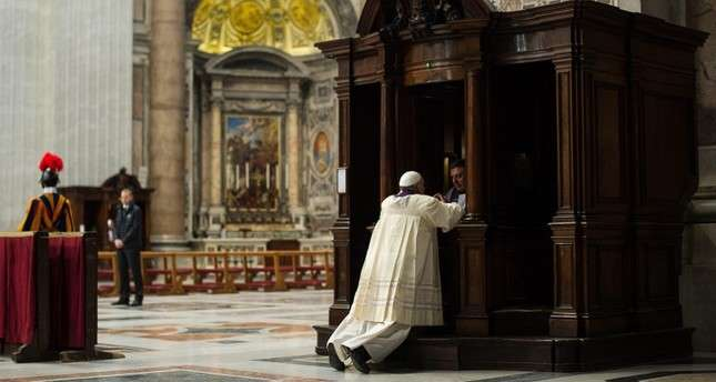 A gift from above? Italian priest finds €36,000 in confession booth