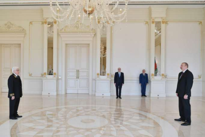 President Ilham Aliyev received credentials of incoming Russian, Bulgarian, Peruvian ambassadors
