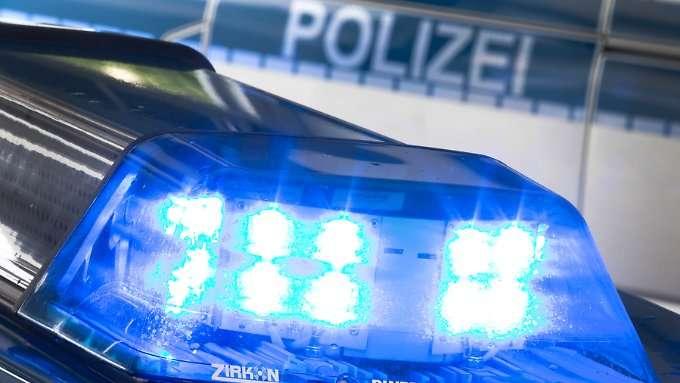 Jugendlicher schießt in Kassel aus Fenster