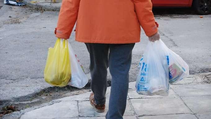 Verbrauch von Plastiktaschen geht zurück