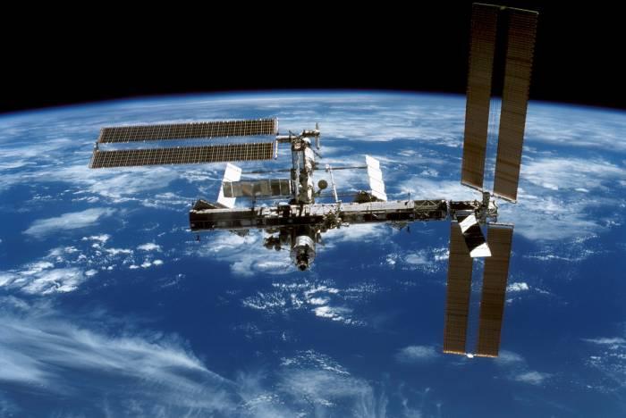 Comment les microbes survivent-ils à un voyage dans l'espace ?