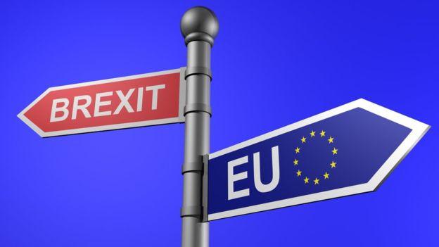 Brexit: le RU refuse le projet de loi sans accord commercial