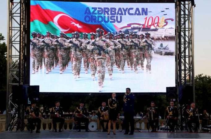 Hərbi mahnılardan ibarət konsert keçirilib - FOTO