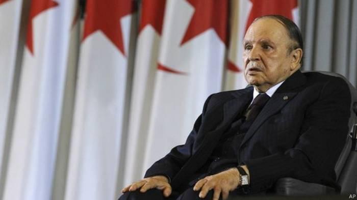 Le premier ministre algérien invite Bouteflika à briguer un 5e mandat