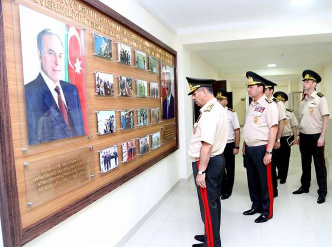 Zakir Həsənov yeni inzibati binanın açılışında -