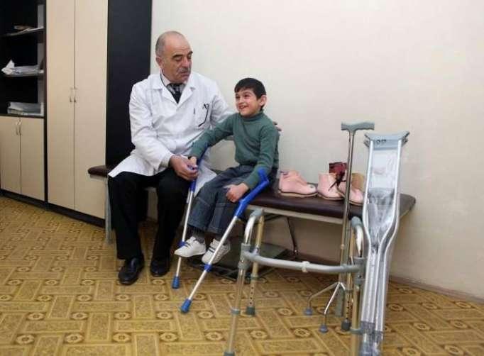 4061 əlilə protez-ortopedik məmulatlar verilib - Fotolar