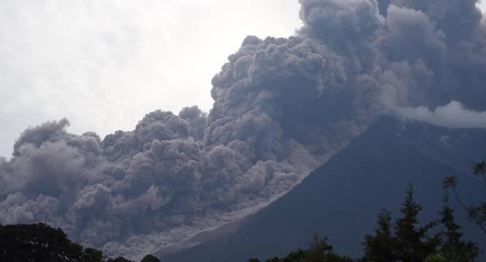 Hallan cuatro nuevas víctimas del volcán de Guatemala gracias a los supervivientes