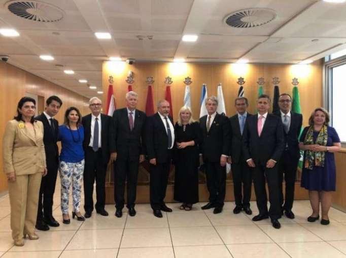 Delegation of Nizami Ganjavi International Center meets Israeli defense minister