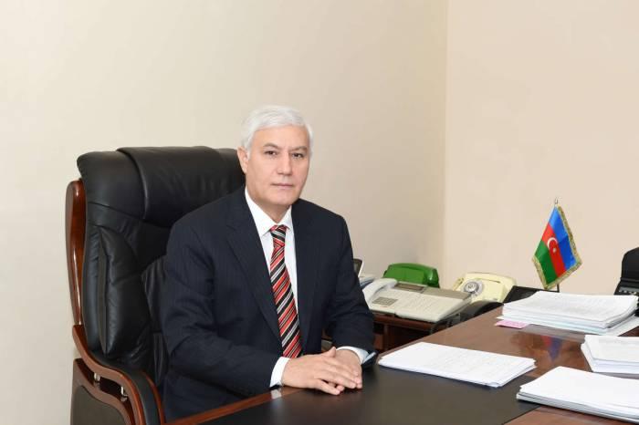 """""""Dövlət qulluqçularının 28,8 faizi qadındır"""" - PA-nın şöbə müdiri"""
