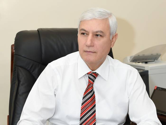 """""""Prezident dövlət qulluqçularına qarşı yüksək tələbkarlıq göstərir"""""""