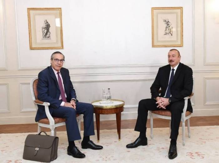 President Ilham Aliyev meets with Executive VP of Bouygues Travaux Publics