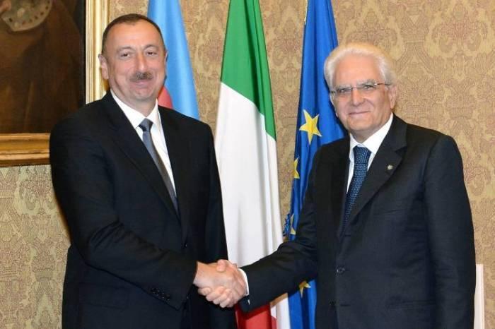 Bakou: cérémonie d'accueil officiel du président italien