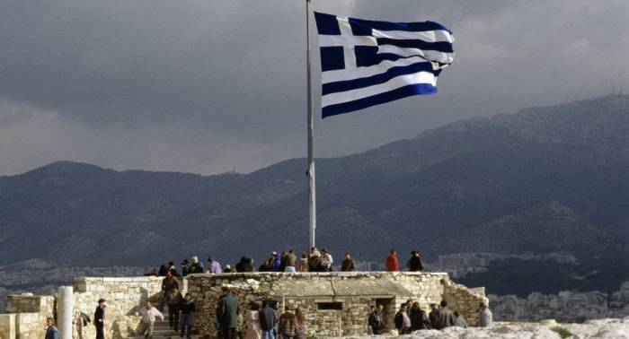 Greece expels 2 Russian diplomats, bans 2 more from entering country