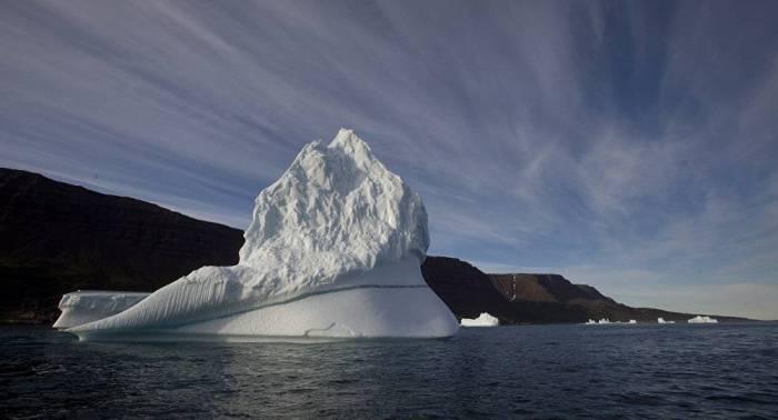 Un iceberg de 10 millions de tonnes menace d'anéantir un village au Groenland