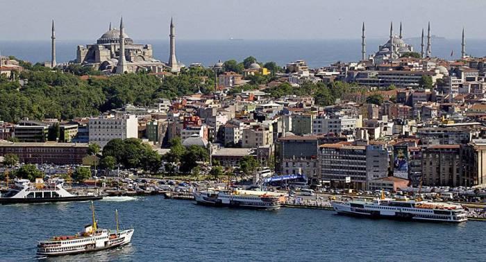 """""""فيتش"""": مصداقية السياسة الاقتصادية التركية تدهورت مؤخرا"""