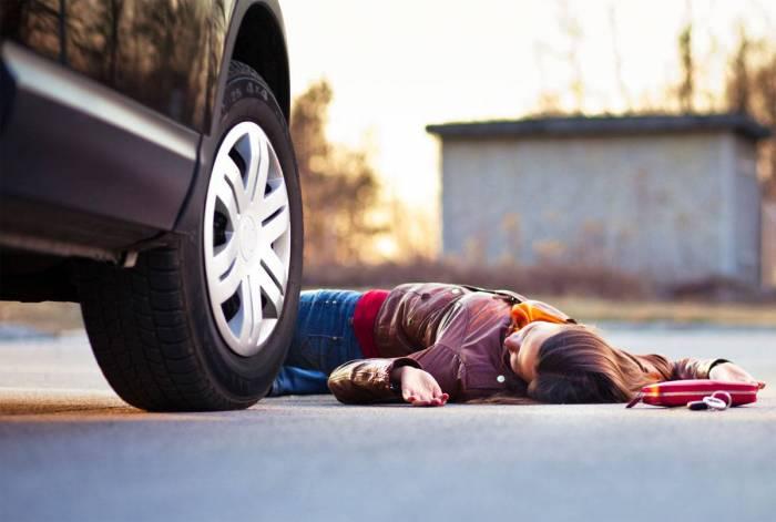 Qadın sürücü piyadanı vurub öldürdü
