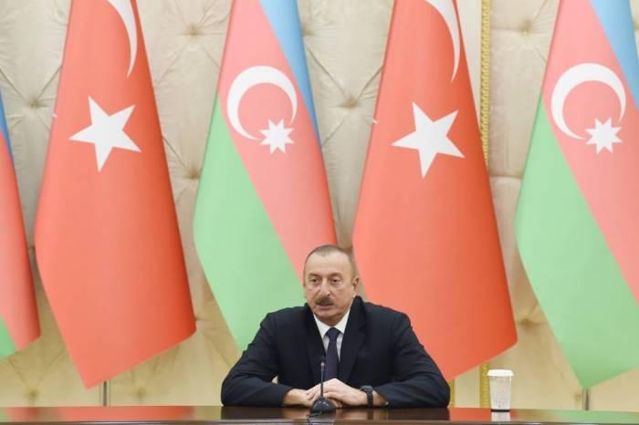 """""""Aserbaidschan erhält eine große Anzahl von militärischer Ausrüstung aus der Türkei"""" - Ilham Aliyev"""