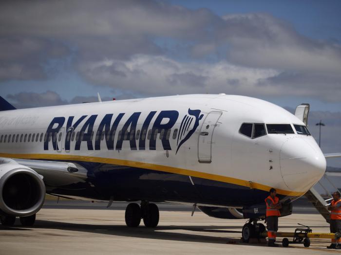 Ryanair flight loses cabin pressure, 33 hospitalized