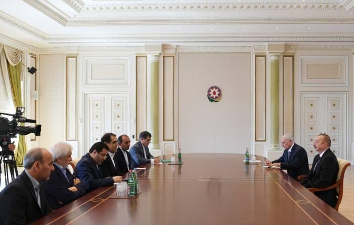 Präsident Ilham Aliyev empfängt iranische Delegation