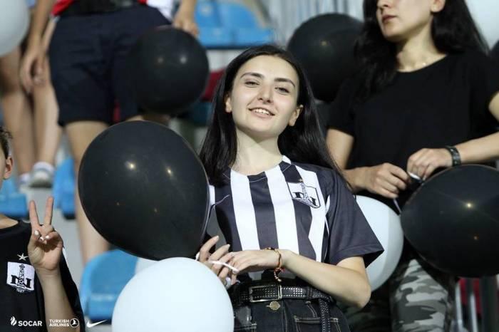 """""""Neftçi"""" azarkeşlərinə müraciət edib"""