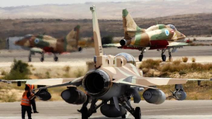 Israelische Luftwaffe bombardiert Assad-Truppen in Nordsyrien
