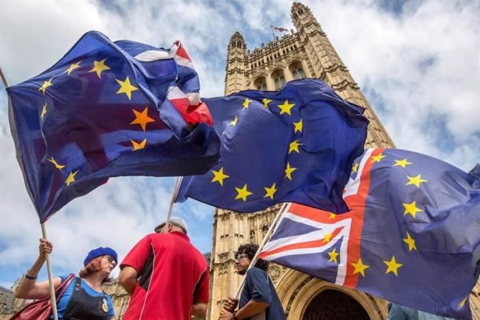 """La exministra de Educación pide que se celebre otro referéndum sobre el """"brexit"""""""