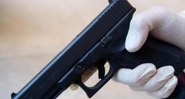Heilbronn: 30-jähriger Mann schießt mit Schreckschusspistole auf Bäckereiverkäuferin mit Kopftuch