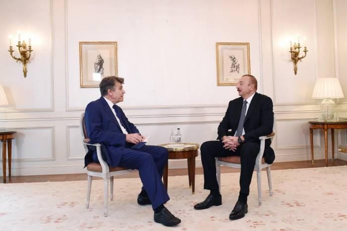 Ilham Aliyev se reunió con el presidente del Instituto de Relaciones Internacionales de Francia