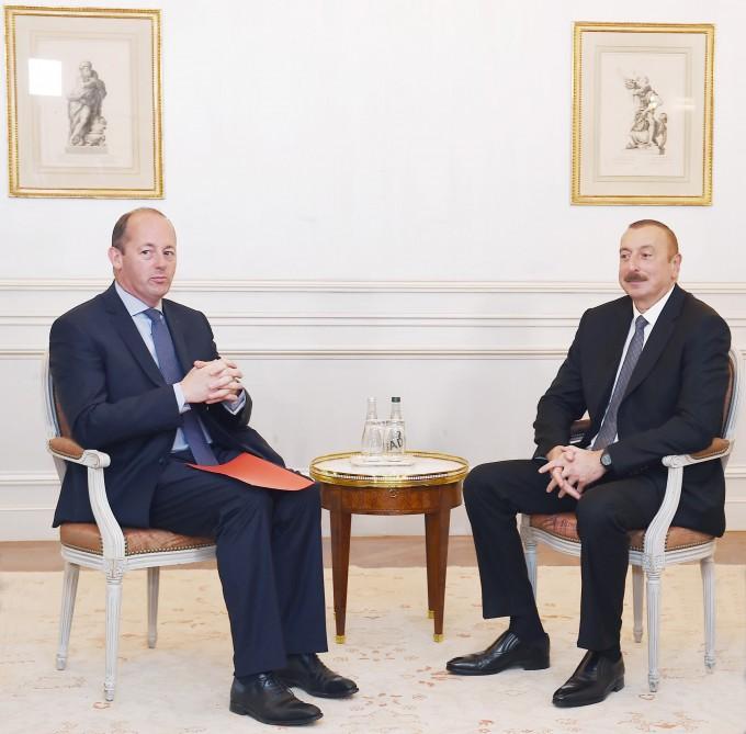 """Präsident Ilham Aliyev trifft Exekutiv-Vizepräsident für Eurasien der Gesellschaft """"Airbus"""""""