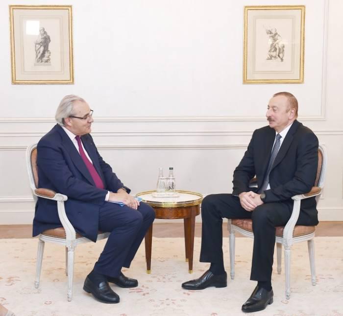 Aussichten für Zusammenarbeit zwischen Aserbaidschan und SUEZ erörtert