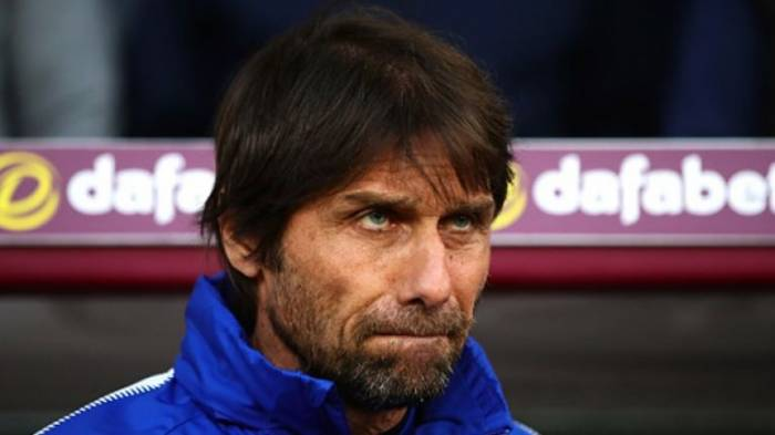 Sacked Chelsea coach in legal battle with Blues over