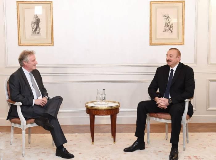 Paris: Treffen von Präsident Ilham Aliyev mit Vizepräsident von Thales International