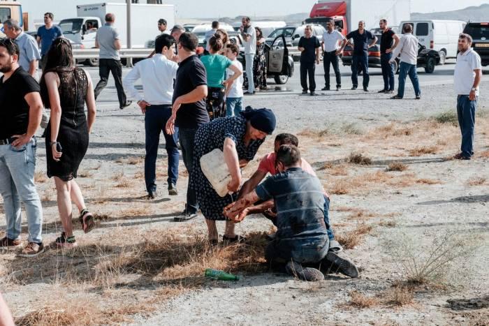 Avtobus qəzasında 1 nəfər ölüb, 13 nəfər yaralanıb
