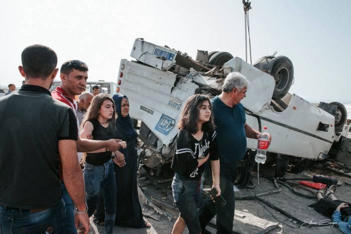 Bakıda dəhşətli avtobus qəzası: Ölən və yaralılar var (FOTOLAR)