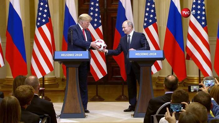 "Putinin Trampa verdiyi topda ""böcək"" var -"
