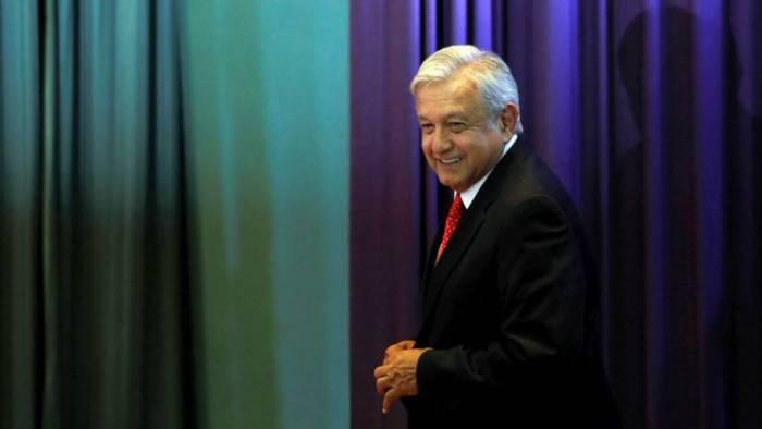 López Obrador anuncia reducción de su sueldo y desata polémica con la Suprema Corte