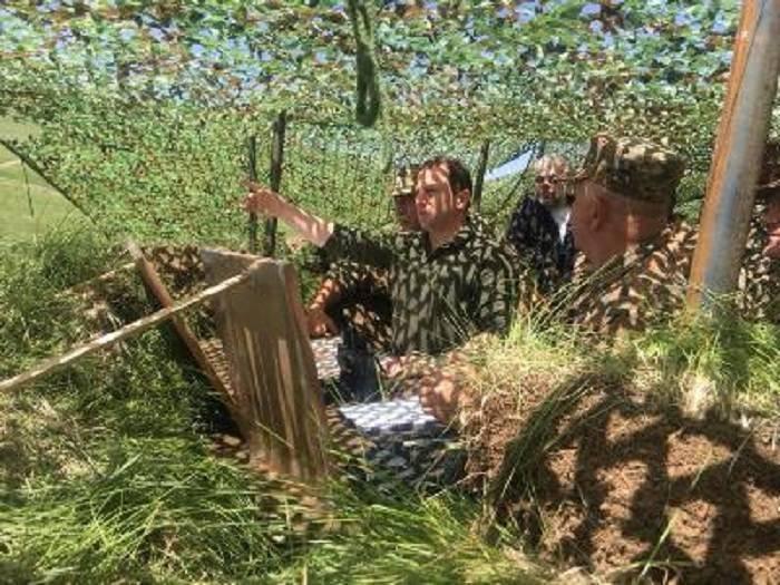 وزير الدفاع الأرمني في الحدود مع ناختشيفان مرة أخرى- صور