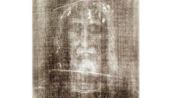 """فحوص علمية جديدة تُفند أسطورة """"كفن المسيح"""" الشهير في تورينو الإيطالية"""