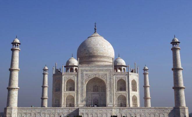 """الحكومة الهندية """"تفشل"""" في حماية ضريح """"تاج محل"""" الأثري"""