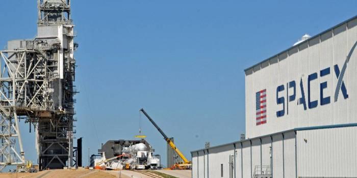 Boeing et SpaceX en retard pour leurs systèmes de transport d