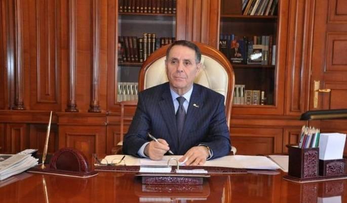 Novruz Məmmədov jurnalistləri təbrik edib