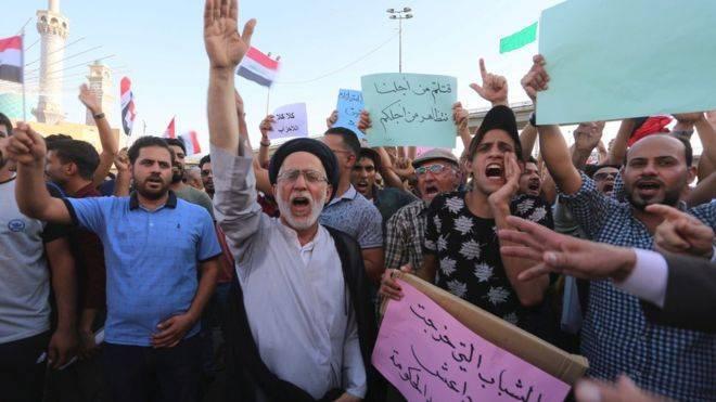 مظاهرات العراق: الآلاف يتدفقون إلى شوارع بغداد ومدن الجنوب ومقتل متظاهر في الديوانية