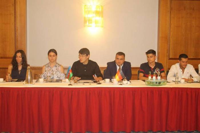 Fuad Muradov Almaniyada iş adamları ilə görüşüb
