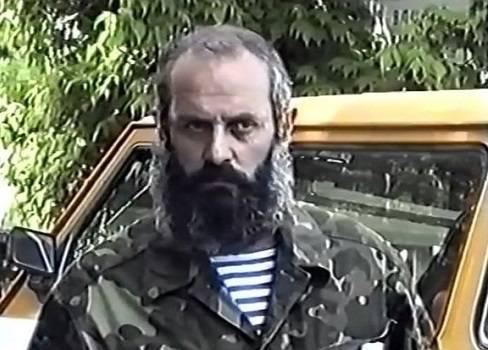 Los vándalos armenios guerrean con los difuntos:se destruyó el sepulcro de Allahverdi Bagirov-VIDEO