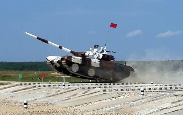 Azərbaycan tankçıları Moskvaya gedib