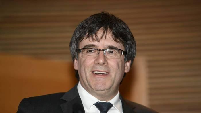 Espagne : retrait des mandats d