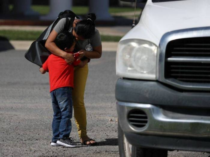 USA: Moins de 400 des 2.500 familles de migrants séparées ont été réunies