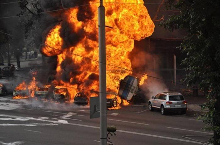Explosion sets off fire outside Egypt