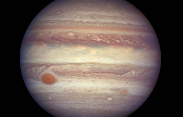 """Douze nouvelles lunes autour de Jupiter, dont une bien """"curieuse"""""""